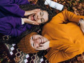 7 Cara Mempertahankan Hubungan Persahabatan